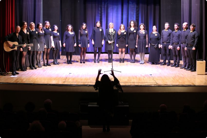 LA SCUOLA UNIVERSITARIA CHOIR